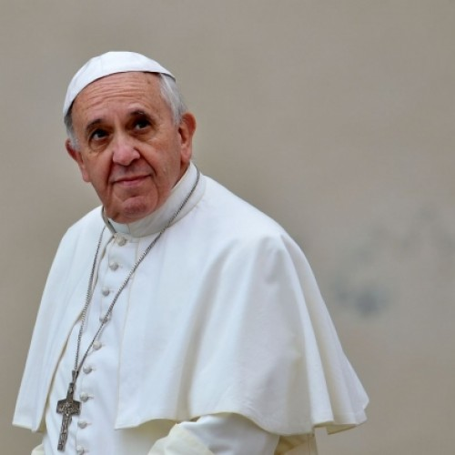 Papa Francisco descreve vício em drogas como um mal e condena a legalização de maconha