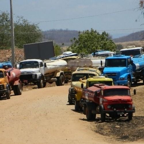 Operação Carro Pipa é suspensa em 94 cidades do Piauí por falta de recursos