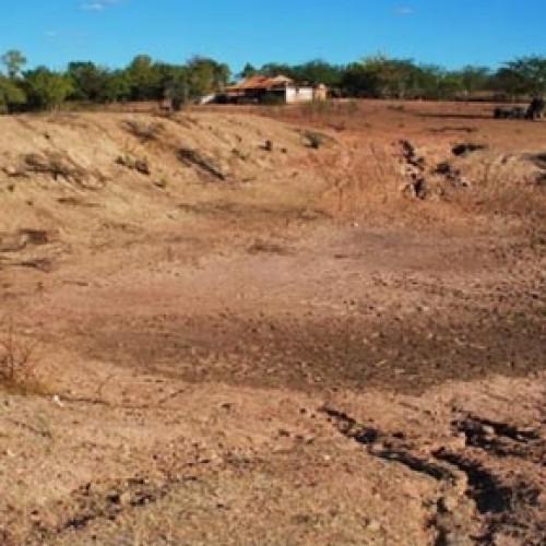 Sem carro-pipa, famílias pagam até R$ 120,00 por água no Piauí