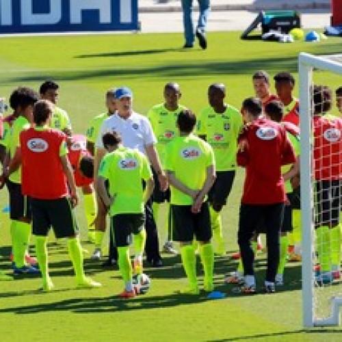 Felipão fecha último treino e nao confirma time que joga contra o chile