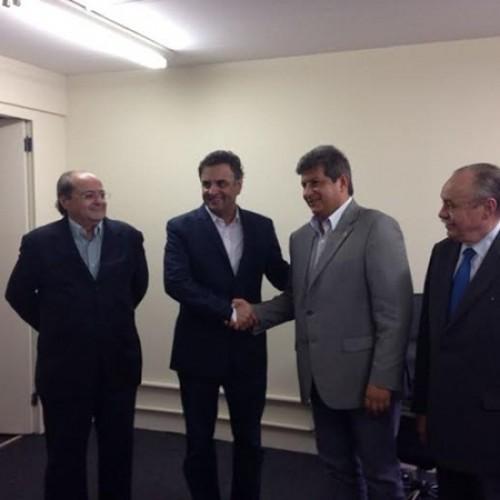 Sílvio oficializa que será vice de Zé Filho e  confirma apoio a Aécio Neves