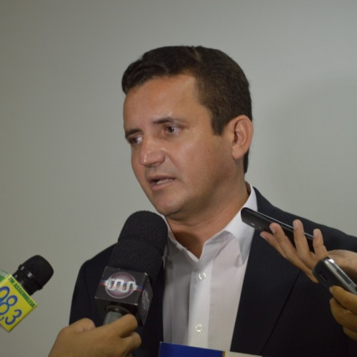 Prefeito de Vila Nova do Piauí é agredido e polícia investiga; 'rixa' política seria motivo