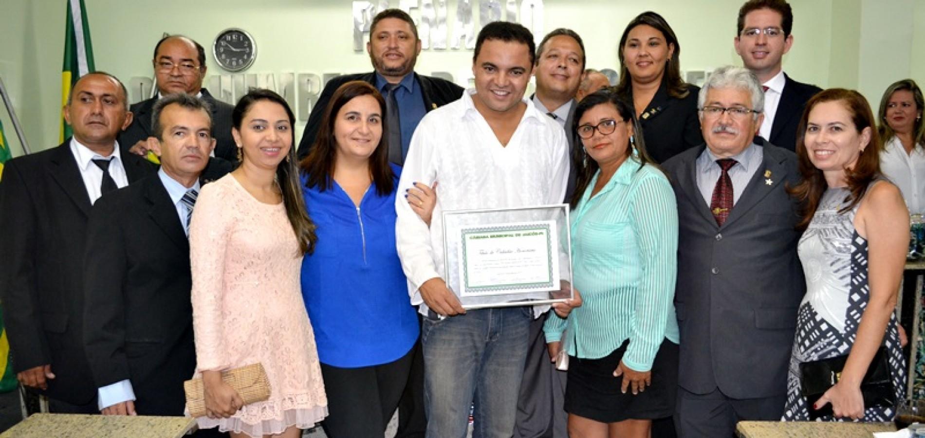 FOTOS | Entrega do Título de Cidadão Honorário de Jaicós ao músico Chambinho do Acordeon