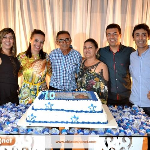 GENTE EM EVIDÊNCIA | Chico Coutinho comera 70 anos com familiares e amigos