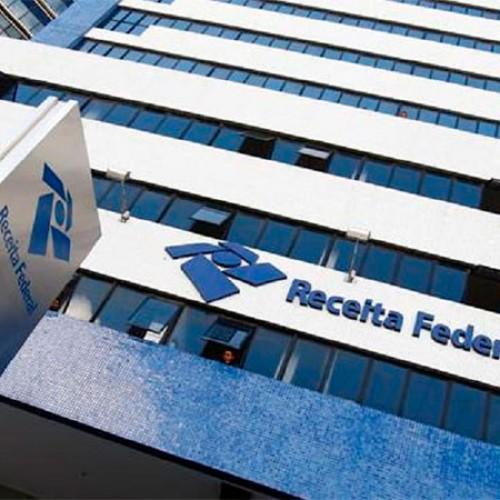 Receita paga R$ 1,6 bilhão no 2º lote do IR 2014; consulta abre na terça