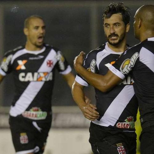 Vasco vence Ponte Preta e confirma classificação às oitavas