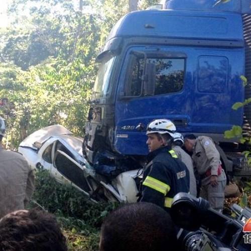 Acidente na  BR-343 deixa pelo menos quatro mortos