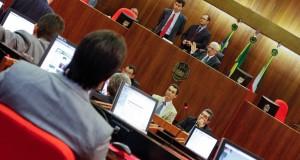 Assembleia Legislativa adia votação do Orçamento 2015 pela segunda vez