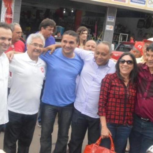 Mainha realiza caminhada em Picos