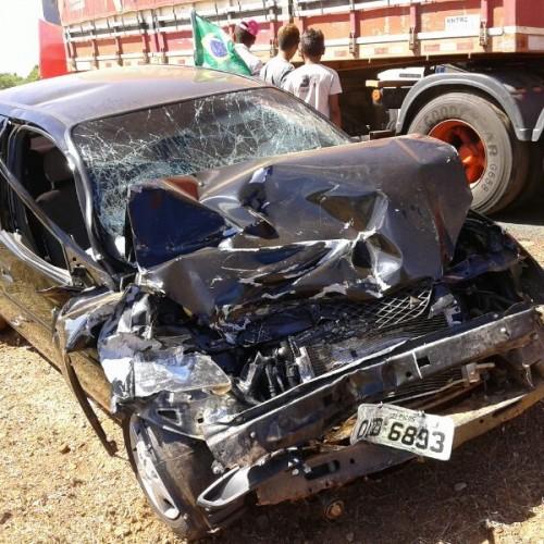 Ex-prefeito de Picos se envolve em acidente com carreta e ônibus próximo a Campo Grande do PI