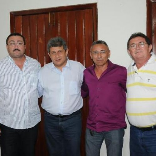 Mais prefeitos da oposição declaram apoio à reeleição de Zé Filho