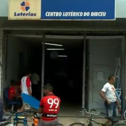 Criminosos rendem funcionários e levam R$ 113 mil de casa lotérica no PI