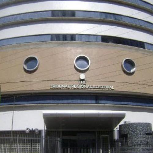 TRE-PI faz reunião com 20 juízes e 44 prefeitos sobre recadastramento biométrico