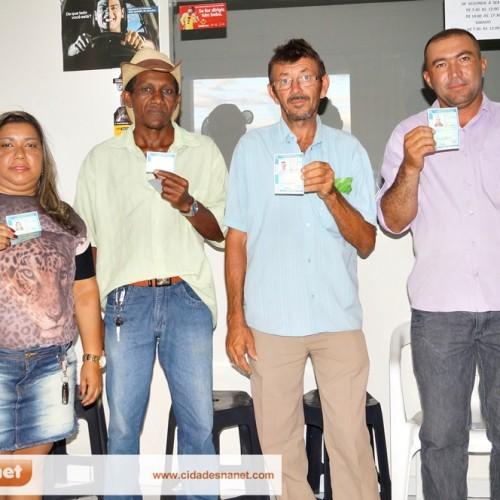 Auto Escola CFC Jaicoense forma sua primeira turma e entrega Carteiras de Habilitação