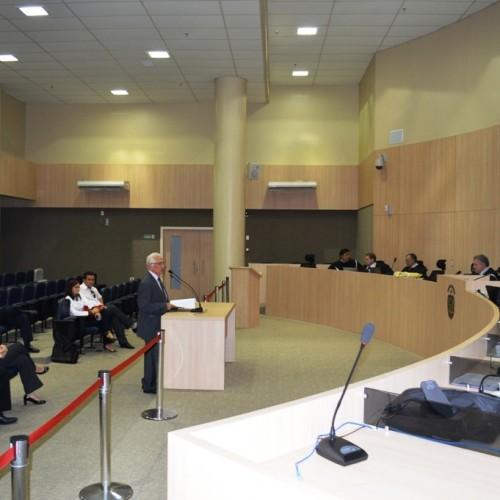 TCE e prefeitos discutem hoje saída para o problema do limite de gastos com pessoal
