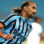 Grêmio 2 x 1 Corinthians: Barcos faz dois e Grêmio vence