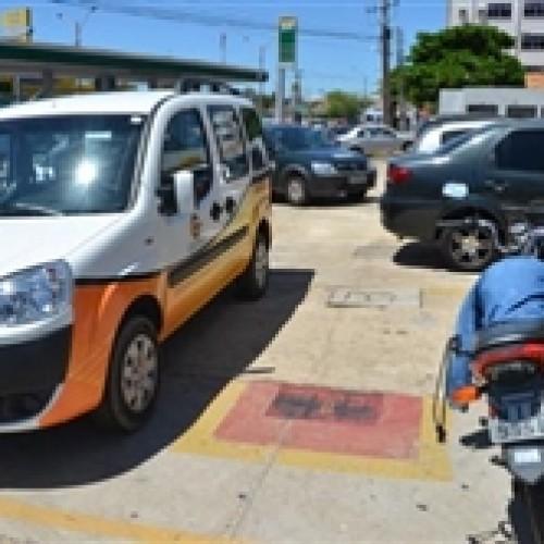 Estacionamento irregular  gera 600 multas por dia