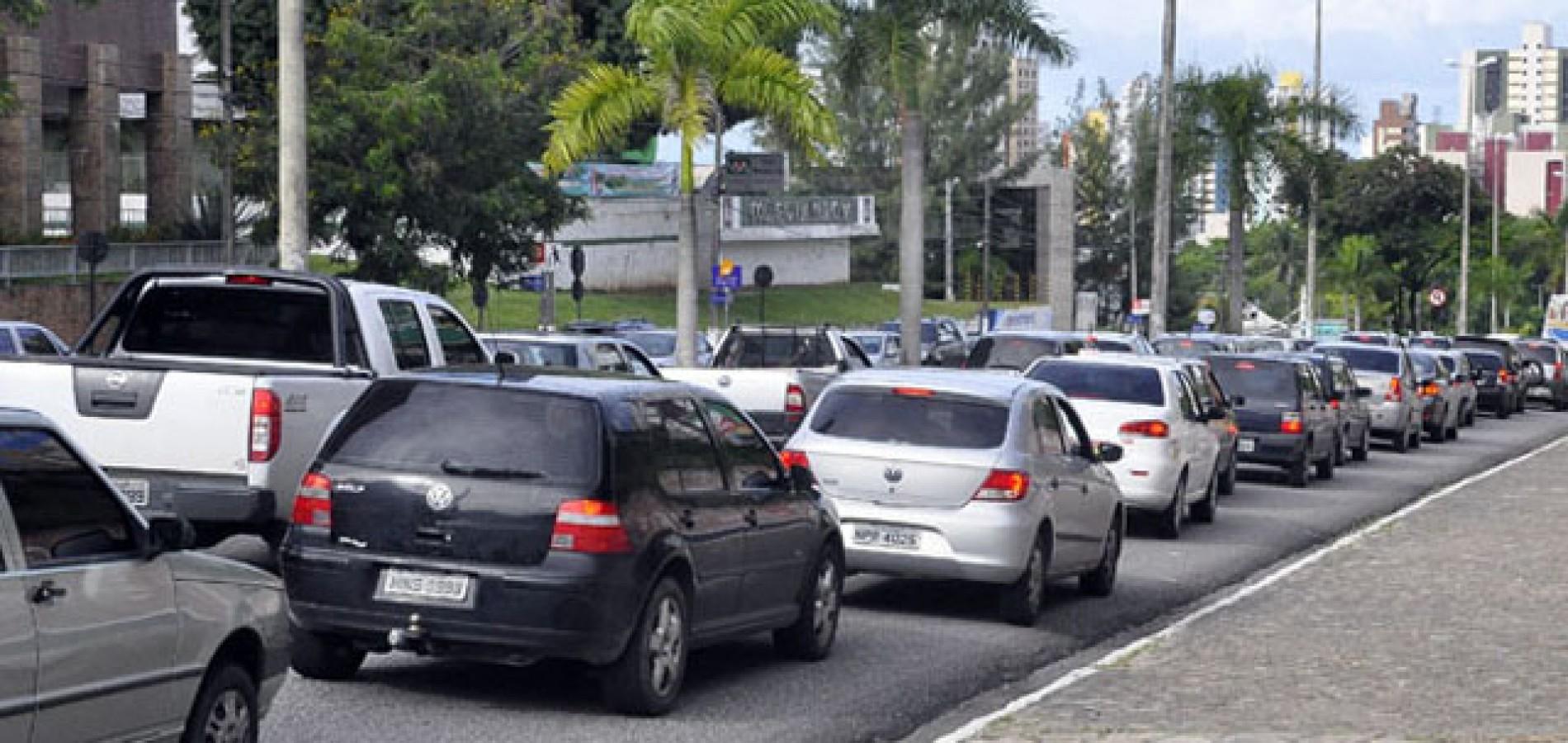 Metade dos veículos que circulam no Piauí estão irregulares junto ao Detran