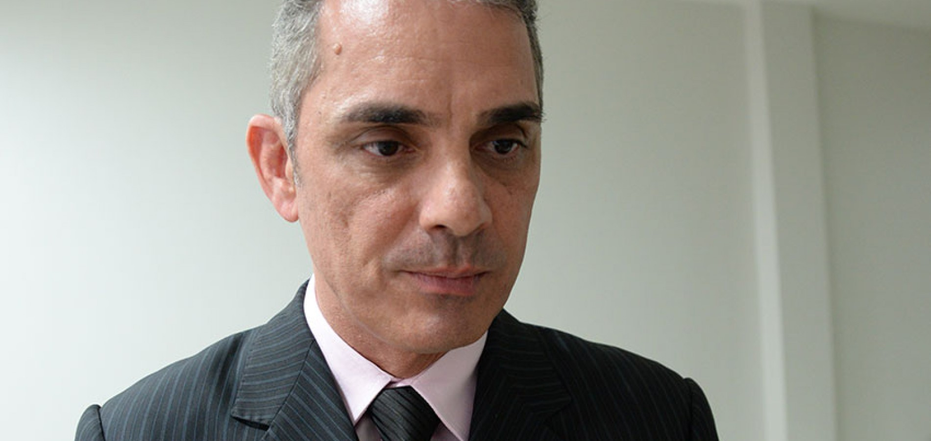 Portaria proíbe delegado de investigar autoridades no Piauí