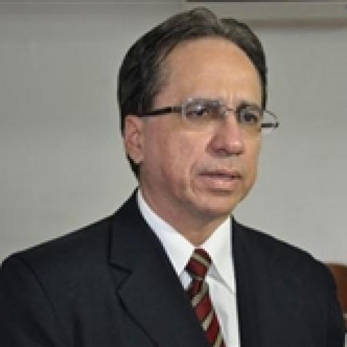 Procurador Kelston Lages pede cassação de Wellington Dias e mais nove no Piauí