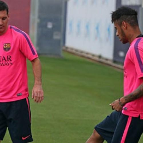 Neymar vira dúvida para estreia no Espanhol por lesão no tornozelo