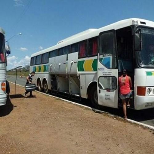 Polícia retém ônibus que transportava passageiros de forma irregular em Valença