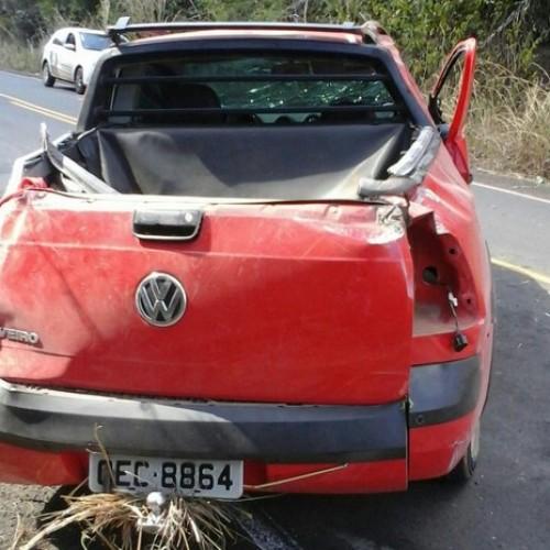 Após roubar carro, dupla tomba veículo e é presa pela polícia no Piauí