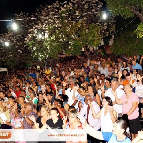 Penúltima noite de novena reúne centenas de devotos da padroeira de Jaicós; veja fotos