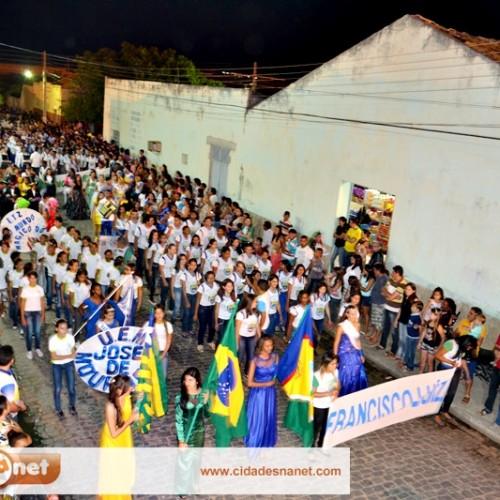 Padre Marcos comemora independência do Brasil com desfile cívico; veja fotos