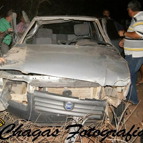 Dois policiais militares morrem em acidente próximo a Marcolândia; veja fotos