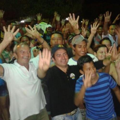 Caravana do candidato Francis Lopes percorre cidades da região sudeste do Piauí