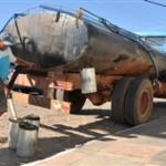 Agricultores denunciam que  falta água até para comprar