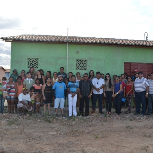 Márcio Alencar entrega 40 casas populares em Alegrete do Piauí
