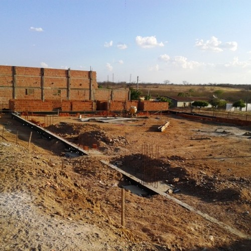 Iniciada a construção de uma quadra poliesportiva em Padre Marcos