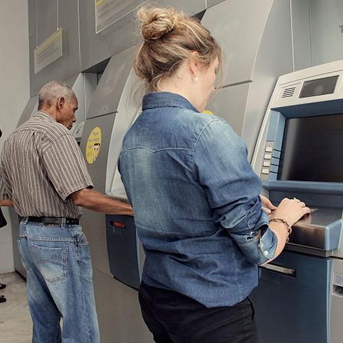 Leitura facial e saque sem notas; relação com bancos vai mudar