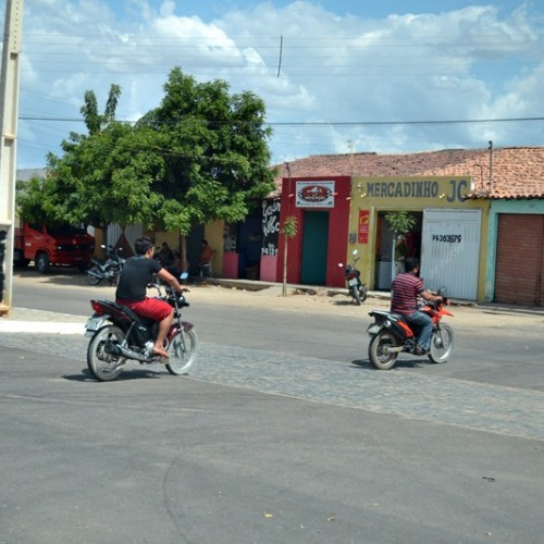 CAMPO GRANDE | Motociclistas ignoram capacete e descumpre determinação da Justiça e MP