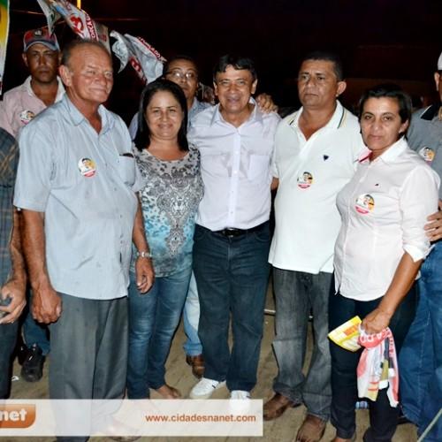 Prefeito Leônidas recepciona Wellington Dias em Curral Novo; veja fotos