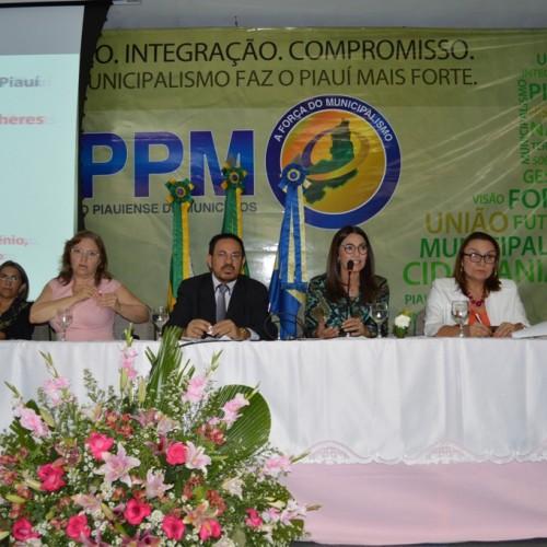 Seminário ODM Mulher Piauí reúne entidades e políticos entorno dos direitos das mulheres