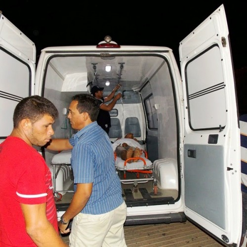Dois jovens sofrem acidente de moto na estrada que liga Fronteiras a Caldeirão Grande do Piauí