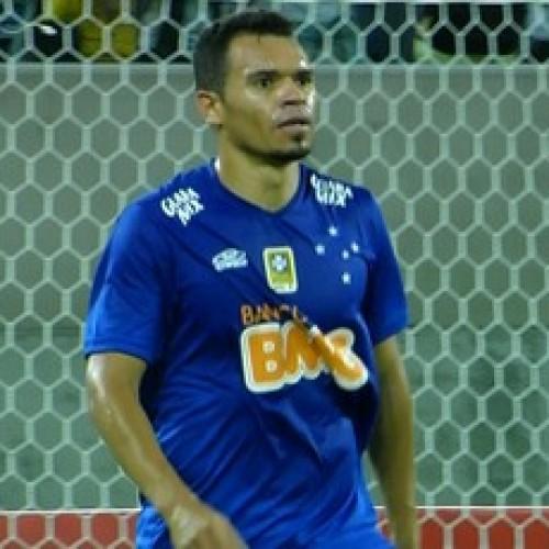Cruzeiro perde a 3ª seguida, leva sufoco e por pouco fica sem vaga na semi