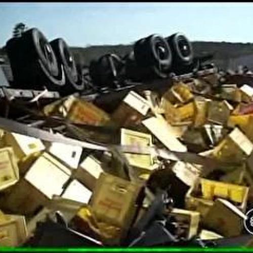 Motorista morre após seis horas preso nas ferragens de carreta no Piauí