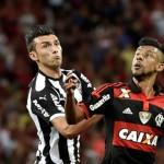 Flamengo vence Atlético-MG e põe um pé na final da Copa do Brasil