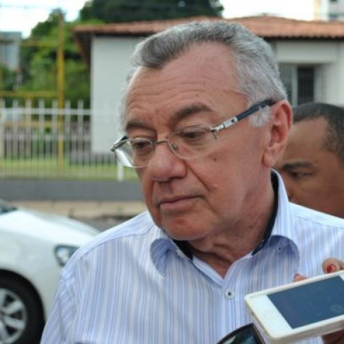 Prefeitura de Picos demite 350 servidores contratados