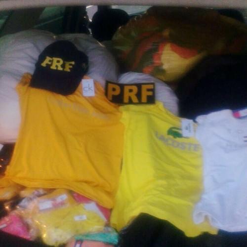 PRF-PI apreende carga de camisas de marca falsificadas no Piauí