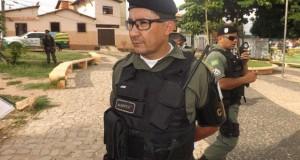 Elementos roubam armas de colecionador e assaltam agência bancária no PI