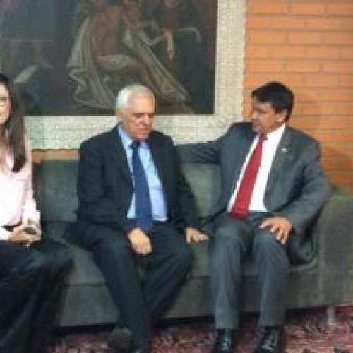 Wellington Dias faz visita à Assembleia Legislativa