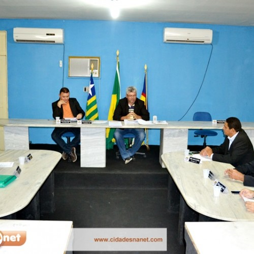 PADRE MARCOS | Vereadores aprovam criação do conselho da educação e cobranças ao Executivo