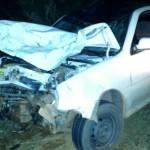 Colisão de automóvel e motocicleta mata mãe, filho e deixa filha em estado grave