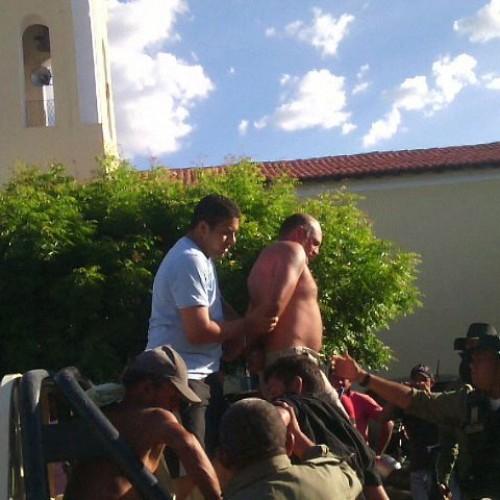FOTOS | Após uma semana, acusado de chacina em São Miguel do Tapuio é preso pela polícia; queria matar 20 pessoas