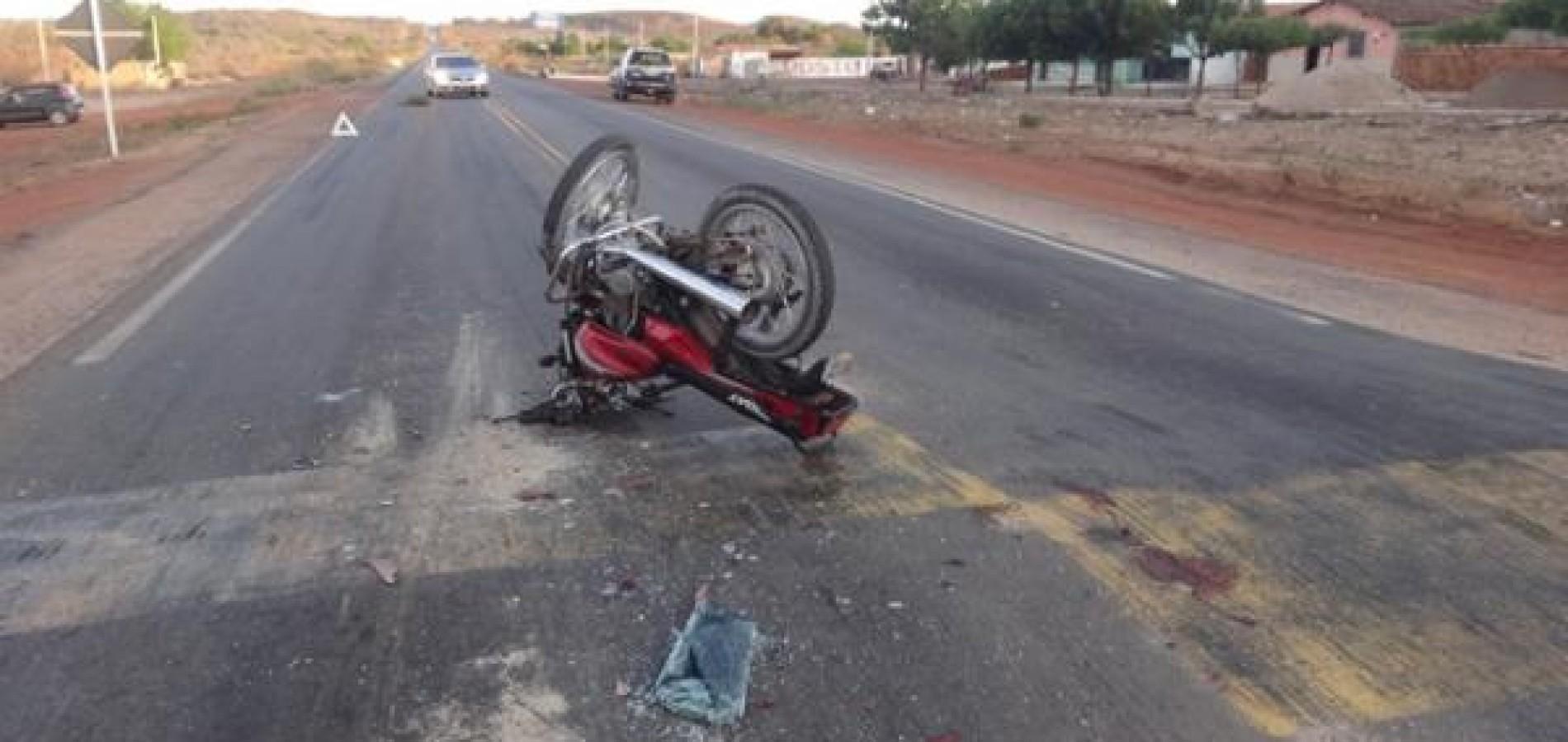 Carro do ex-prefeito de Jaicós se envolve em acidente com moto no Geminiano